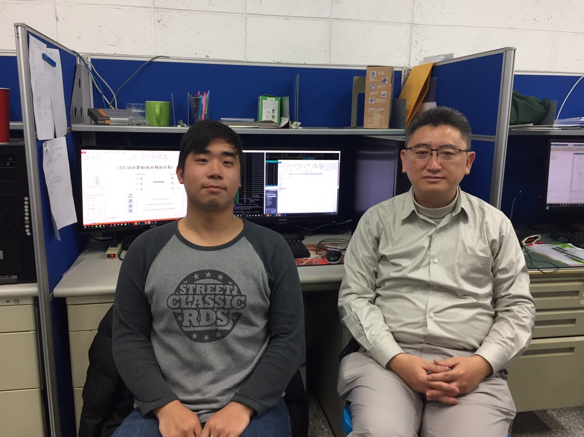 教授廖元甫與學生黃百弘對語音合成研究有信心