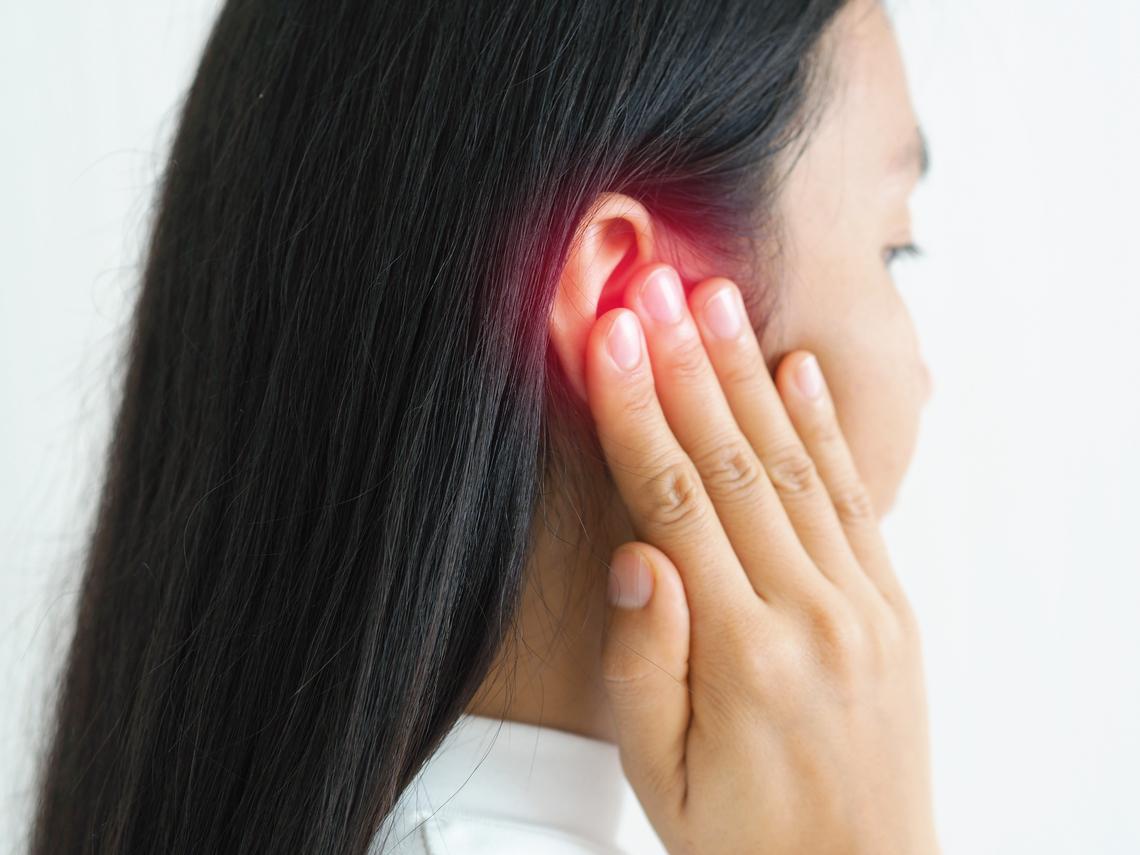 年輕時耳鳴,中年後腦中風機率高1.66倍!避免埋下健康危機,7大壞習慣要改掉