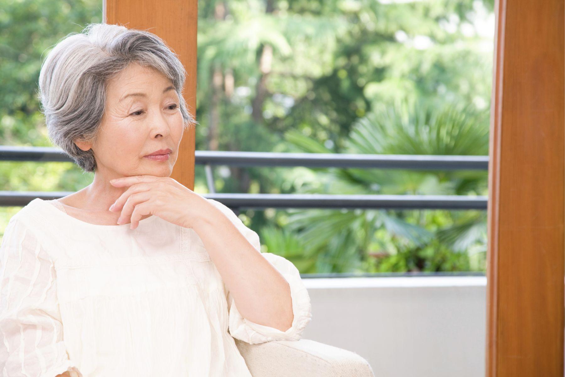 記性變差、脾氣暴躁、妄想?失智症常有「這些」症狀,都不是正常老化