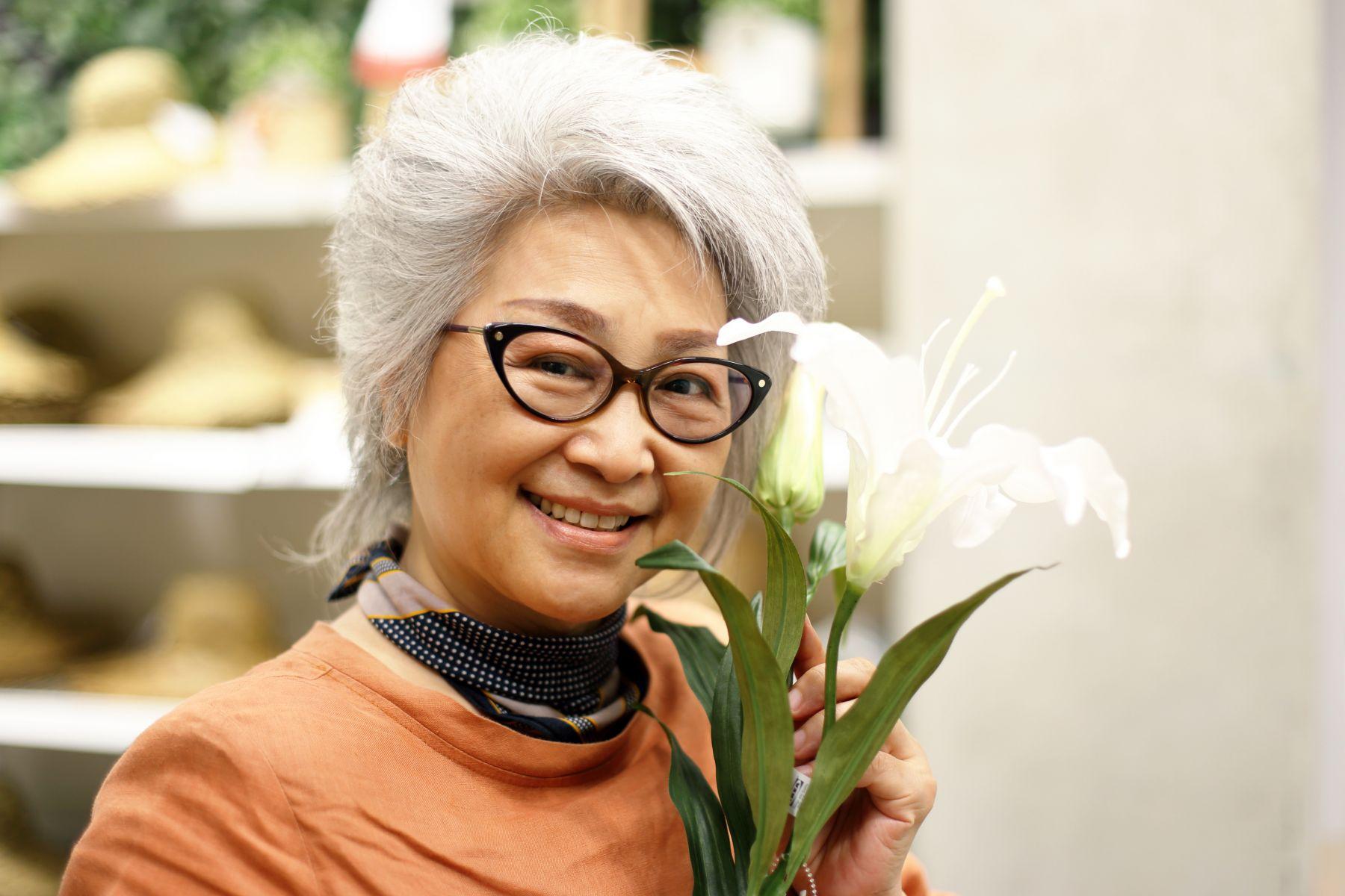 她65歲「拋家棄子」,自願去住養老院:這個年紀,不做媽媽,不做婆婆,就做我自己