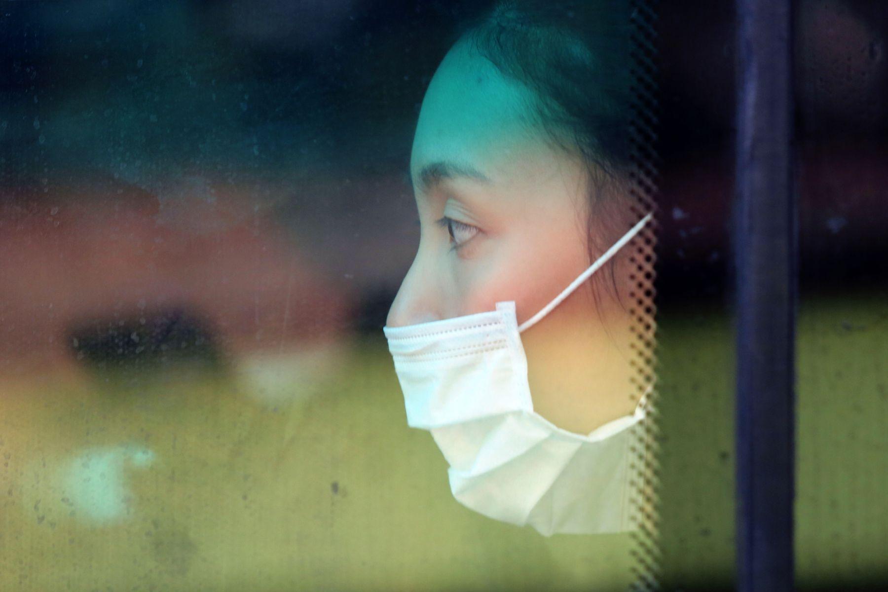 武漢肺炎》口罩別囤積!專家曝活性碳、N95、醫療口罩「保存期限」