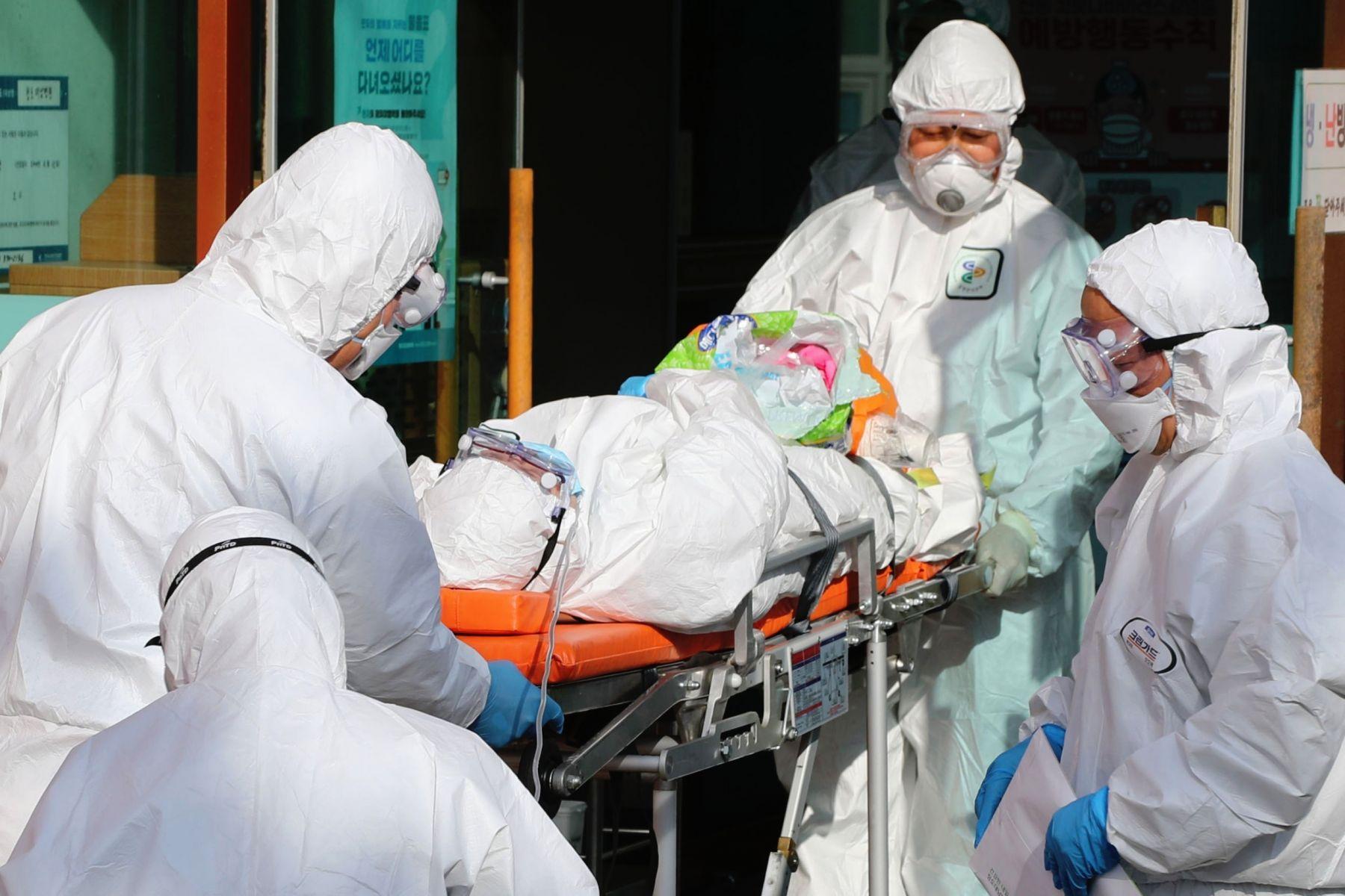 武漢肺炎無症狀、輕症患者暴增!阻止病毒擴散,台大教授:「這樣」戴口罩、洗手感染率可降至20%以下