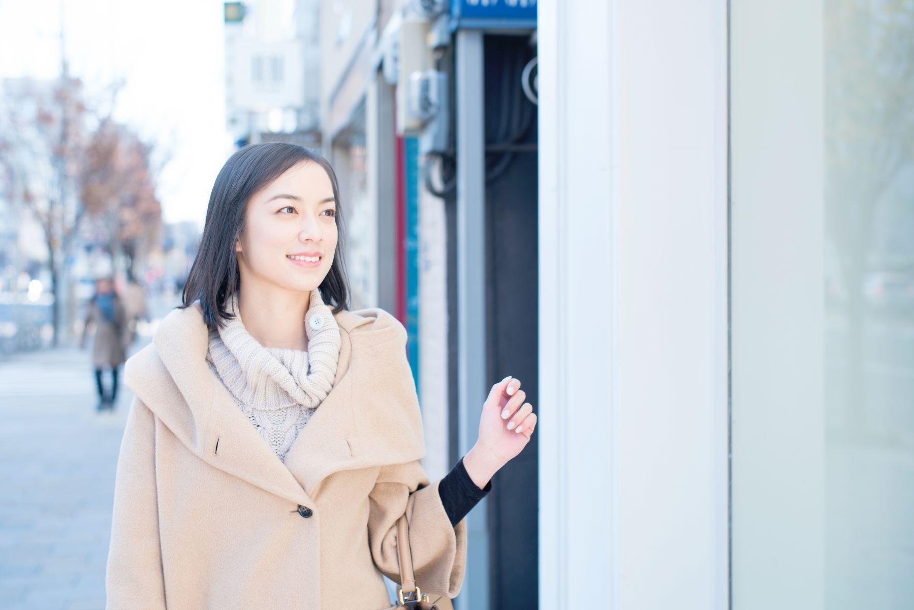 低溫來襲,洋蔥式穿法好腫!快學日本妹「不顯胖穿衣法」,薄薄4層保暖又秀好身材