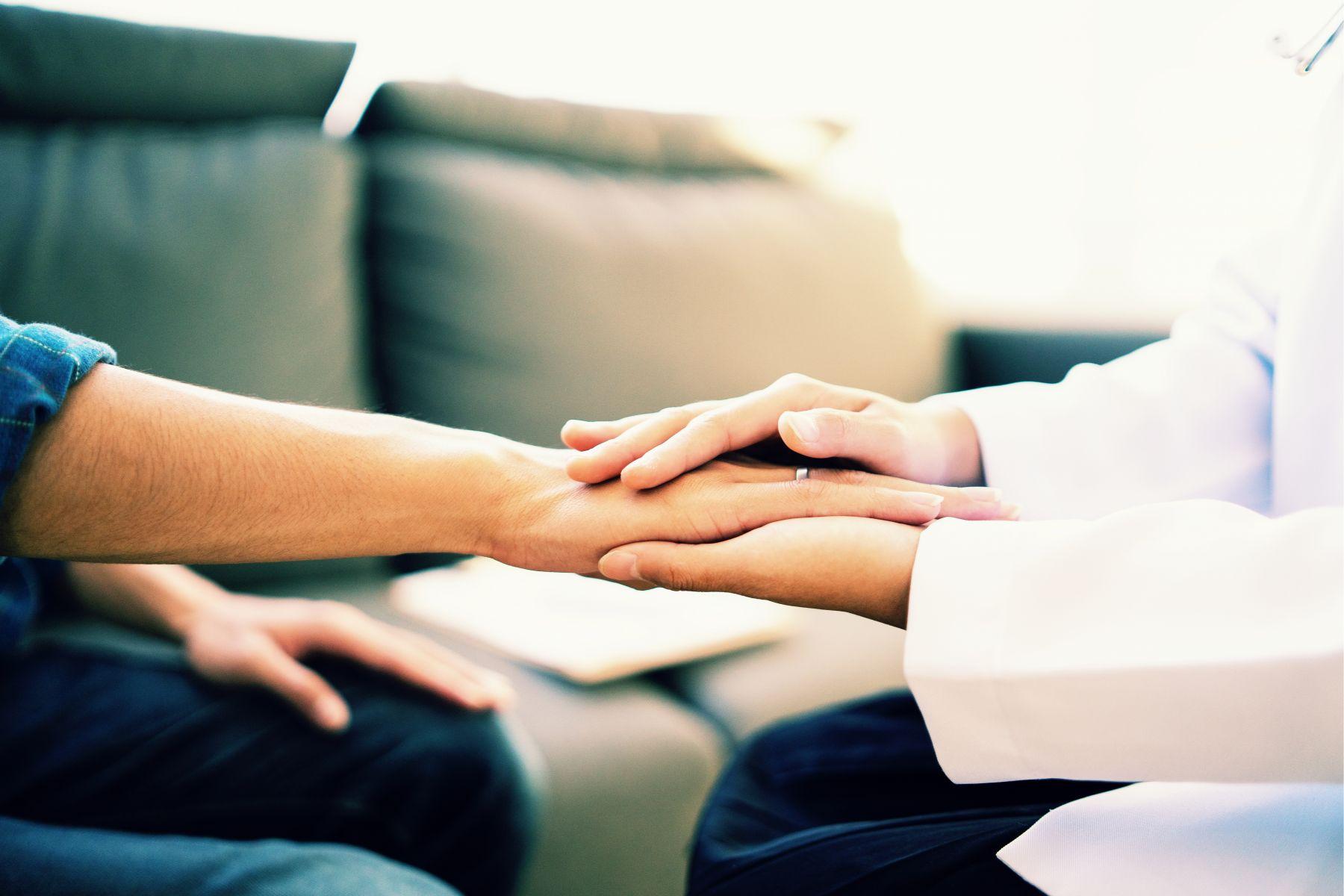 皮膚黃、茶色尿...出現黃疸快找原因:4種症狀,有可能是胰臟癌!