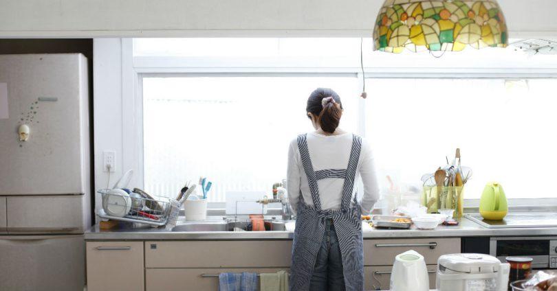 買東西要問老公意見,覺得被羞辱!全職媽要求每月11萬「主婦津貼」