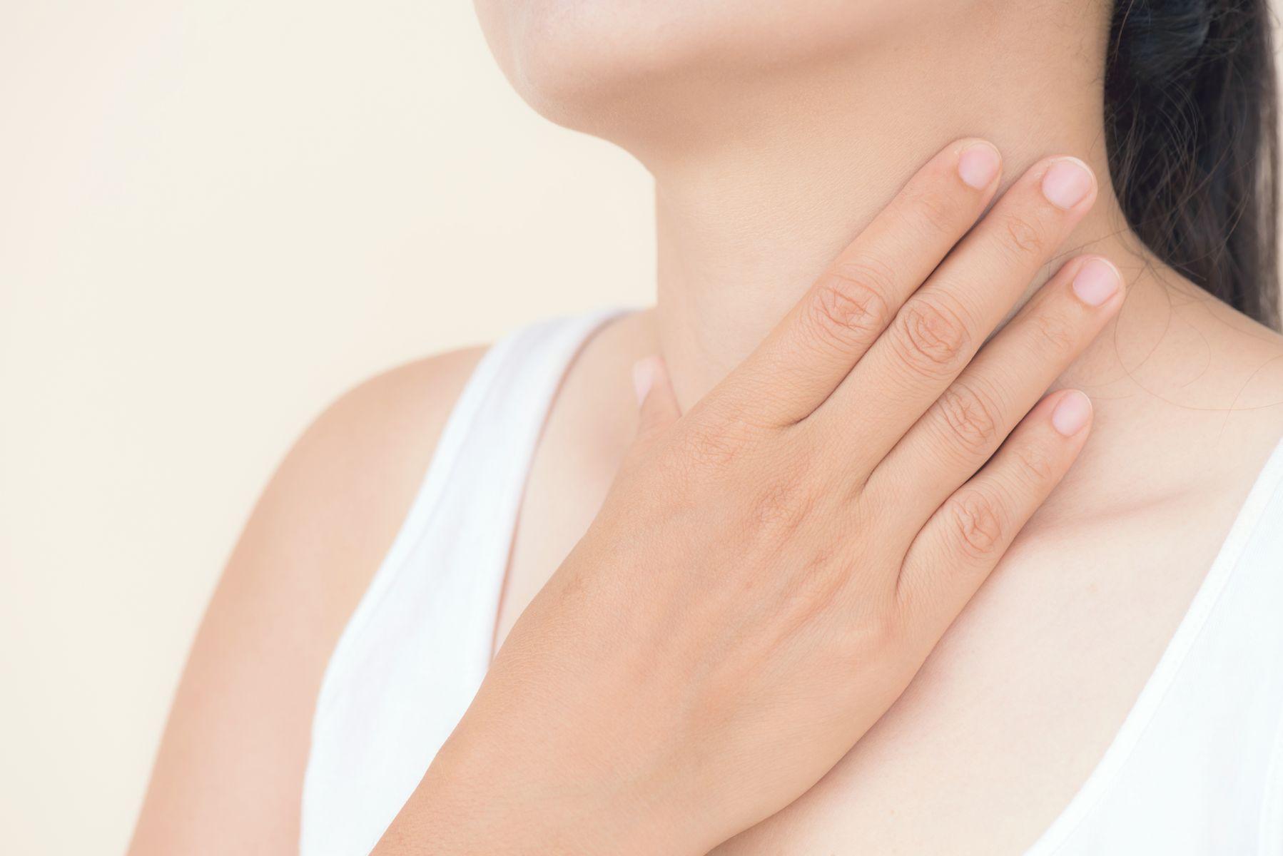 發燒、咳嗽痰多、頭痛、喉嚨痛症狀是「感冒」還是「過敏」?中醫師教你10秒分辨