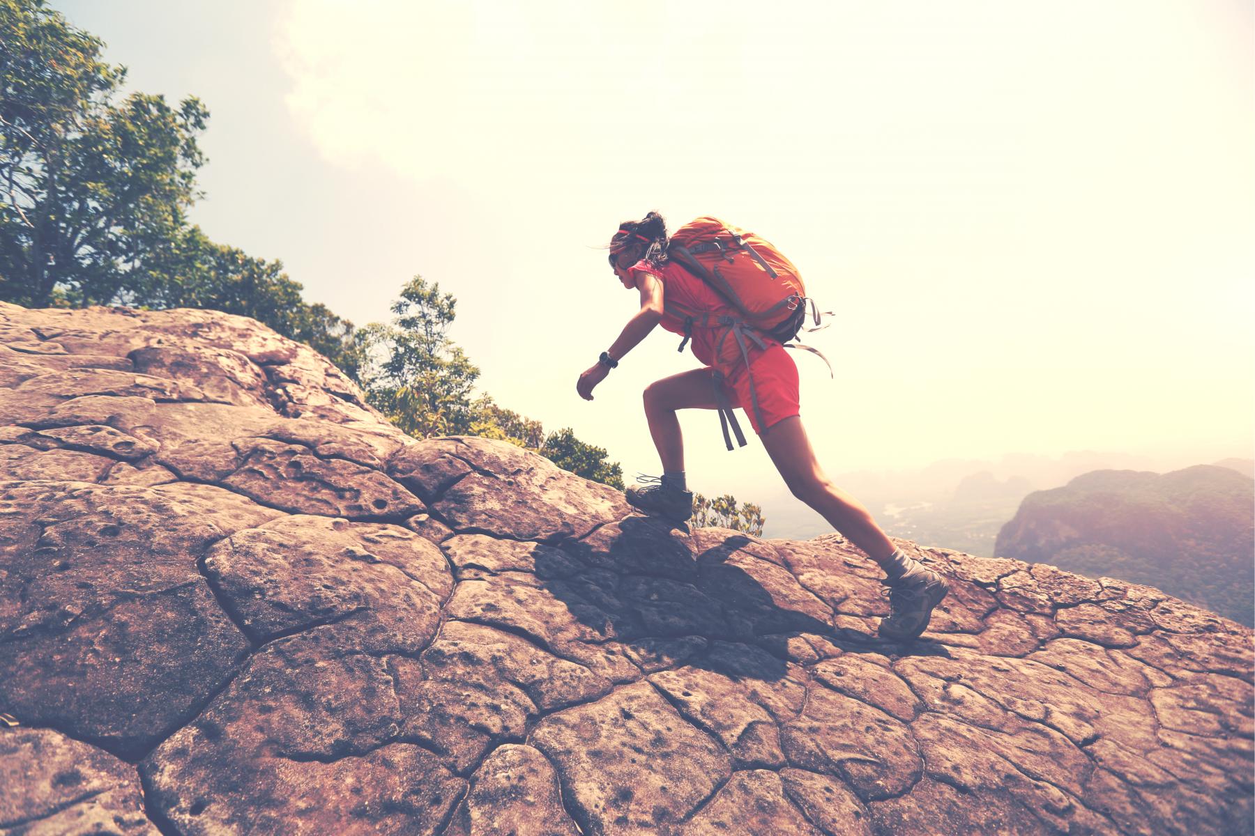 中年不走下坡路:只有跨出腳步,相信自己有力量,就會到達終點
