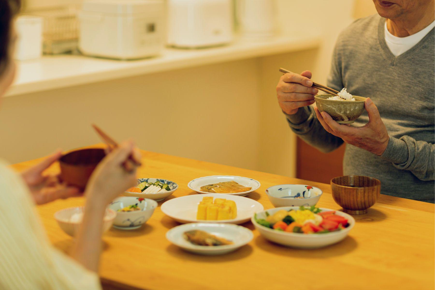 遠離皮膚癌、大腸癌!研究公佈:吃飯時補充維生素B3、花椰菜,抗癌細胞作用強