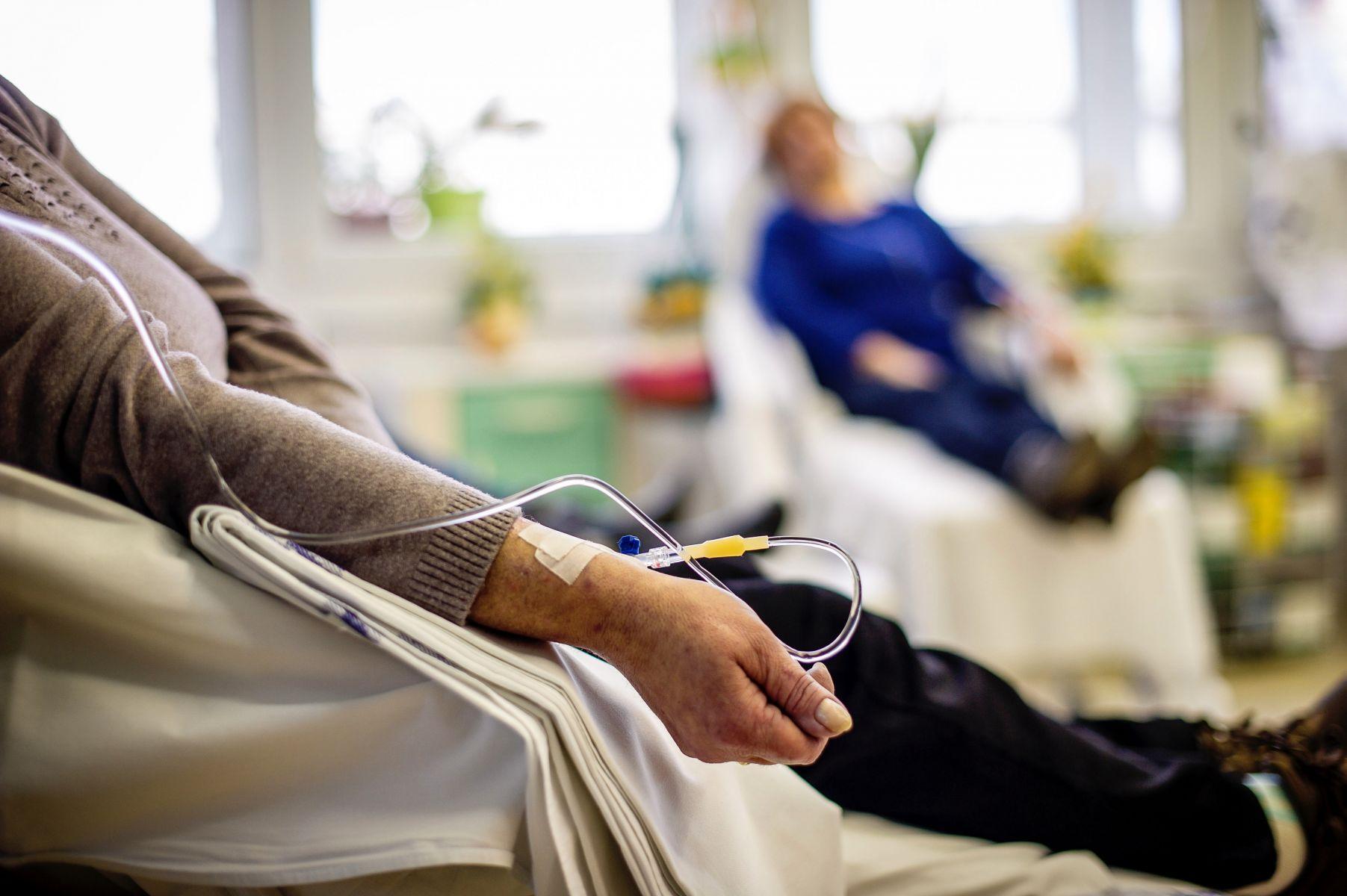 這5惡習助癌細胞成長!資深護理師親身經歷勸:吃飯時多攝取7食物,可吃垮癌症、遠離中年罹癌!