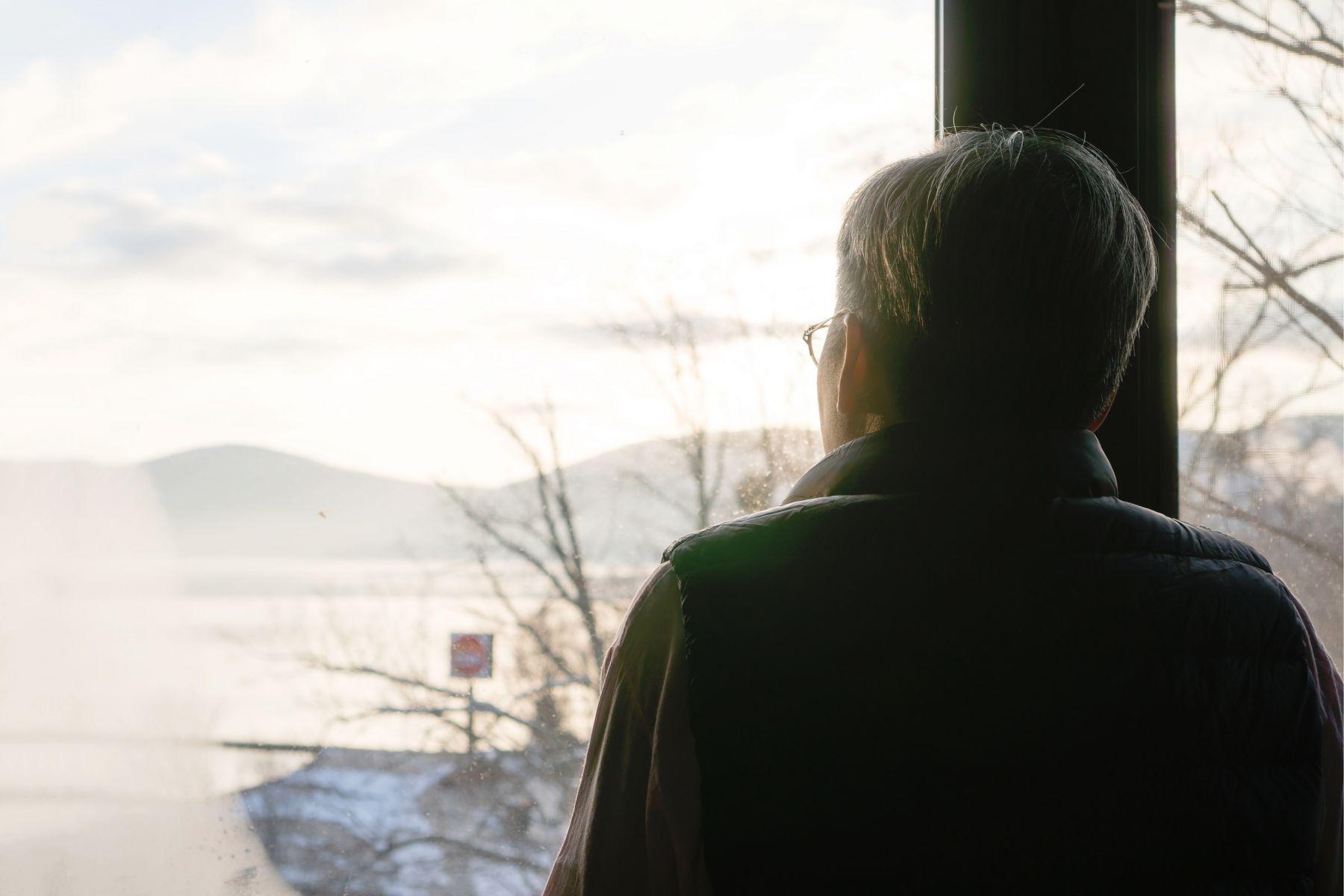 才50歲就早衰、大腦退化?名中醫勸:3個讓你加速老化的惡習,一定要改掉!