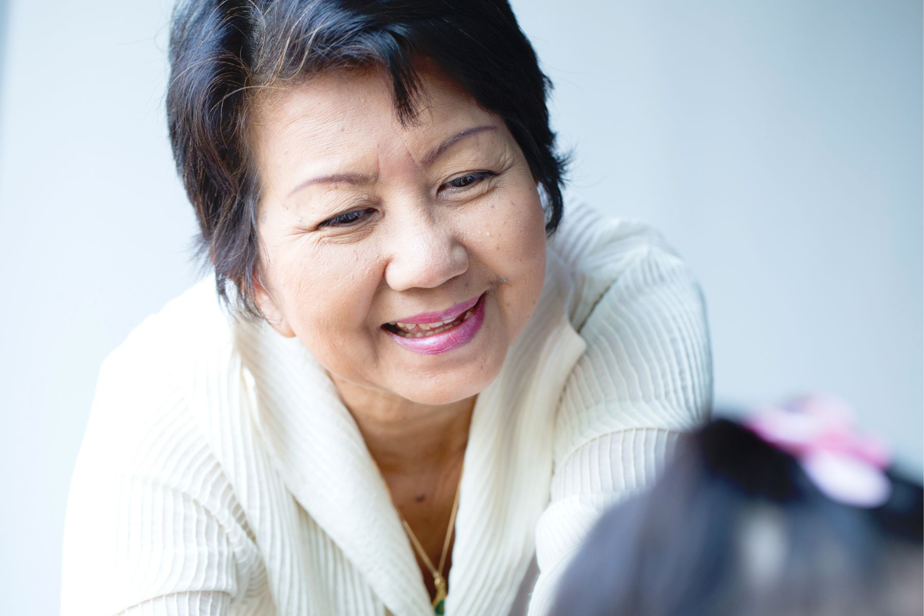 69歲作家最真摯人生告白:日子就該過得輕鬆,快樂是輸送一點善意,與接受他人的小惠