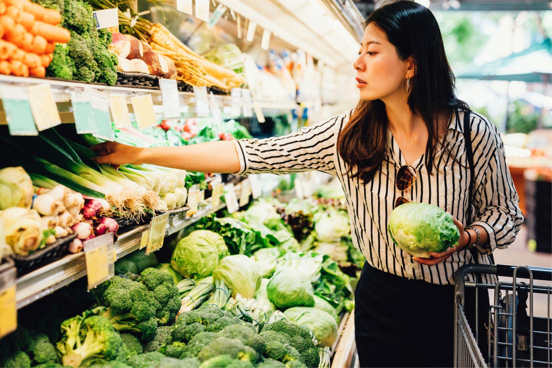 颱風來襲菜價飆漲,這樣買菜省荷包!營養師教你選對這3樣,膳食纖維比葉菜類還多