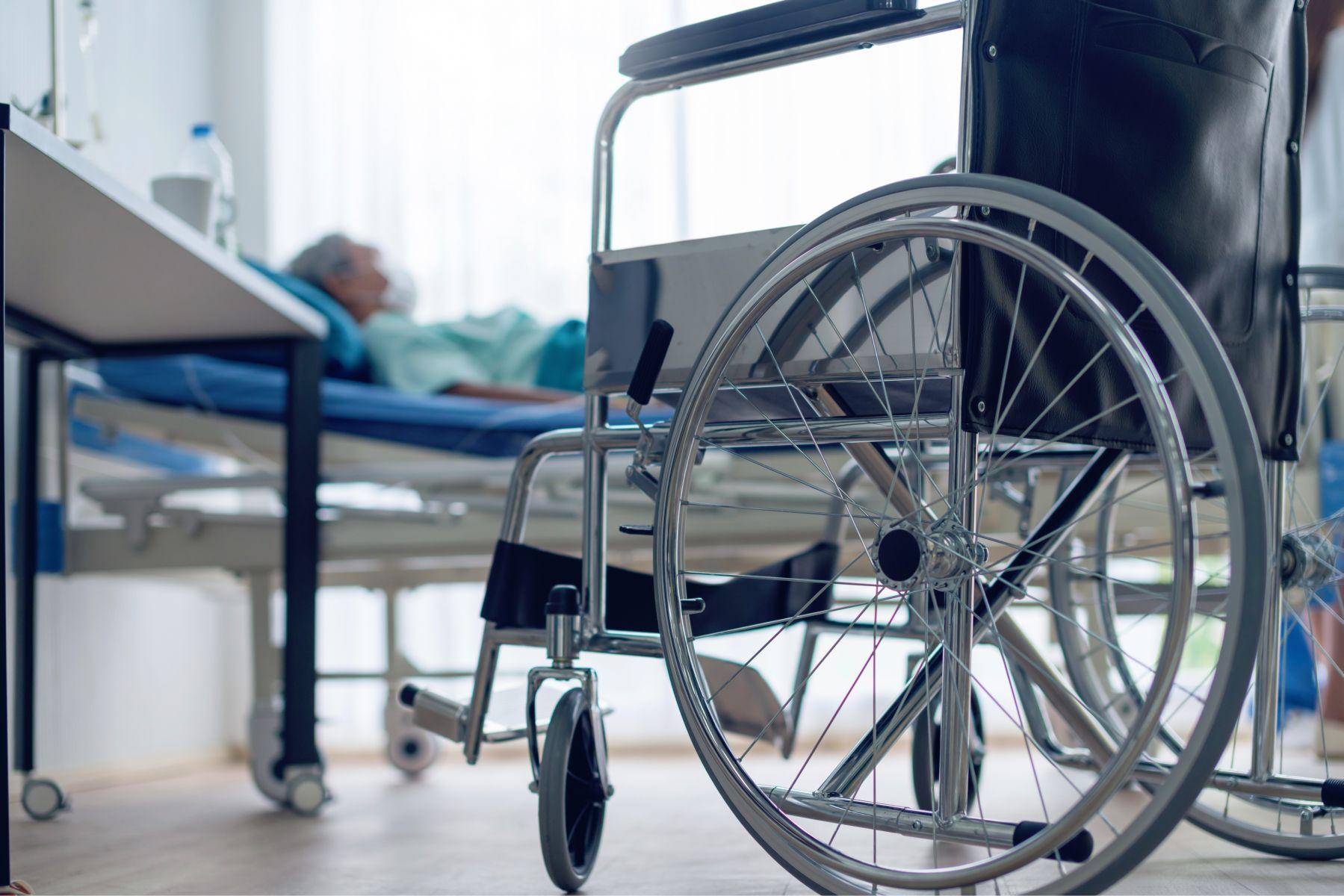 他高齡90卻插鼻胃管,痛苦捱了三年...一位失智患者告白:寧可慈悲死去,也不要悲慘度日如年!