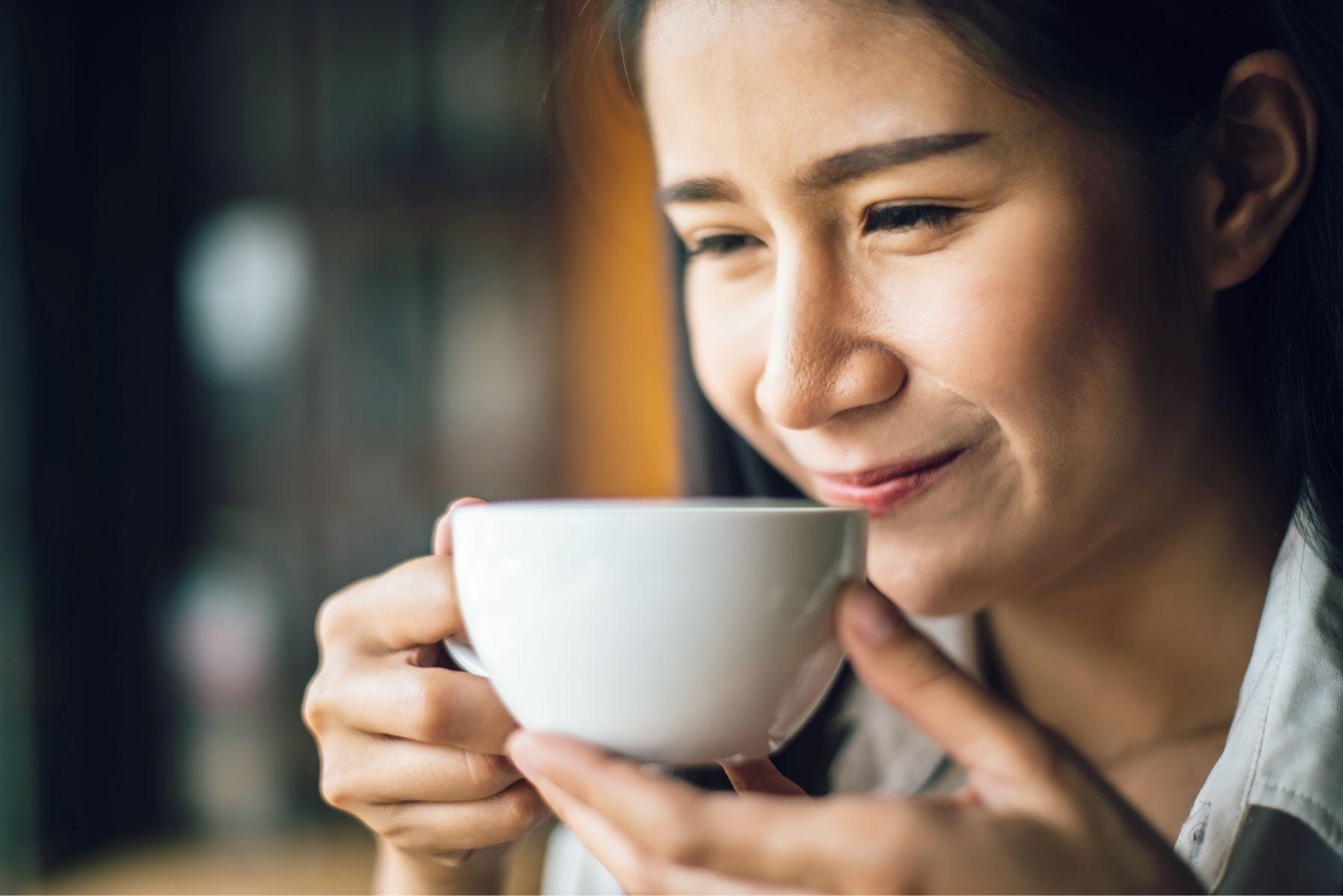 50歲後,是一杯散發淡香的清茶...懂得這2個關鍵,讓第二人生真正活得幸福快樂!