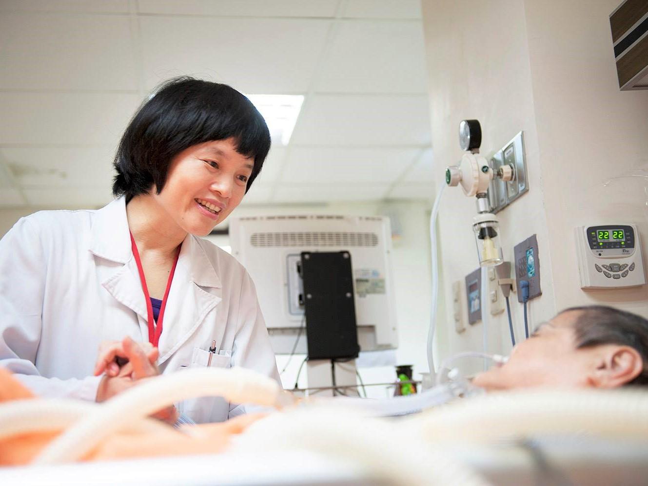 我是醫師,我不要被插鼻胃管 陳秀丹醫師:期盼十年後的台灣,沒有被捆綁的老人