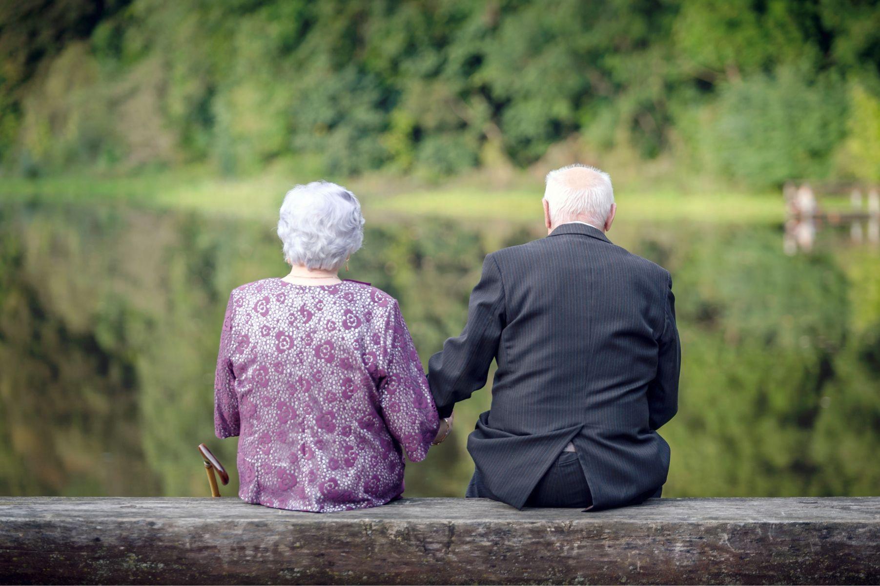 你感受到了嗎?成為照顧者後才明白,老人最後的尊嚴是尿布