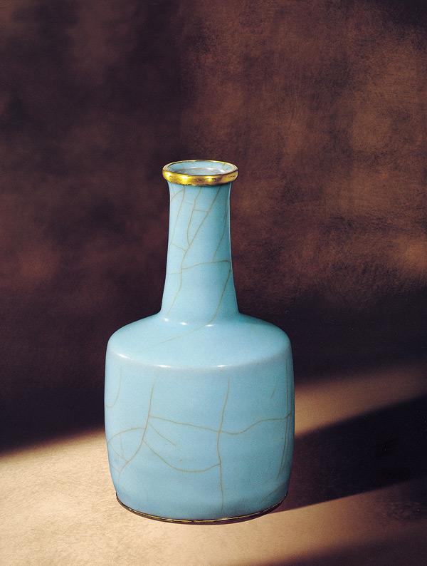 官窯粉青釉紙搥瓶