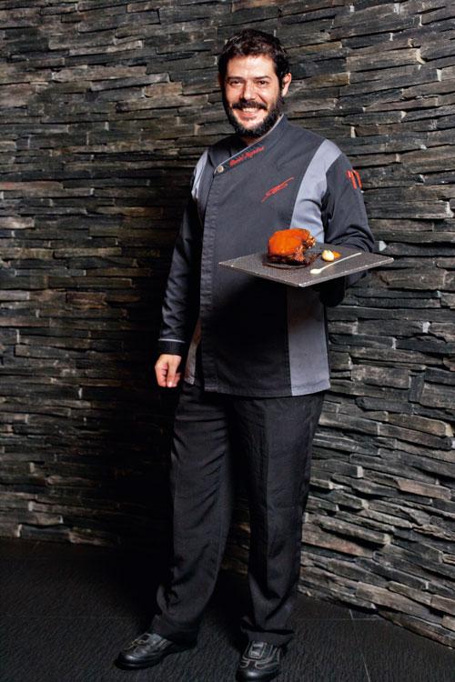 主廚丹尼爾擅長融合創意、美味及食趣, 並平衡各種食材的味道。(攝影/林煒凱)
