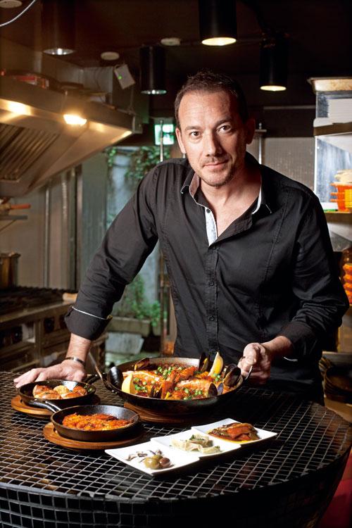 主廚paco非常了解國人的喜好,綜合飲食習慣和文化,使他做的Tapas相當受歡迎。(攝影/林煒凱)
