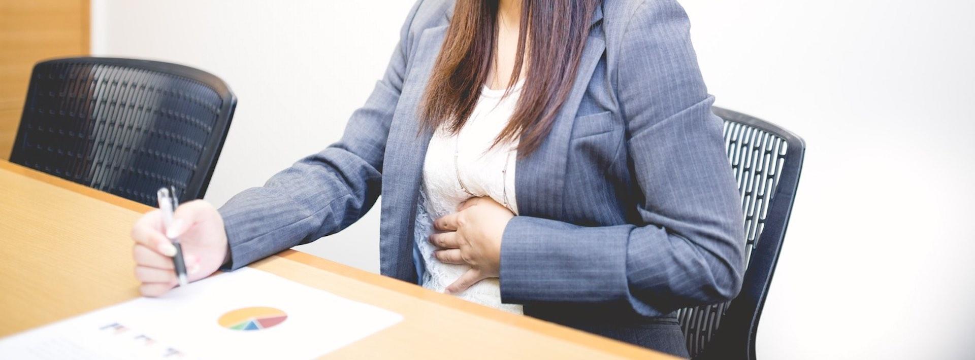 改善胃食道逆流不舒服症狀!醫師8招緩解壓力、脹氣、打嗝