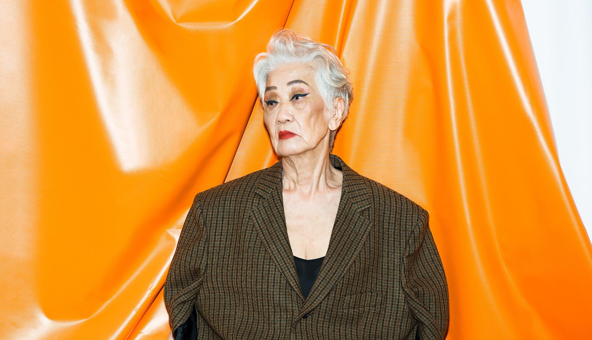 留不住青春,那就優雅老去!台灣93歲「潮模」稱霸時尚圈,時時愛自己、容光煥發