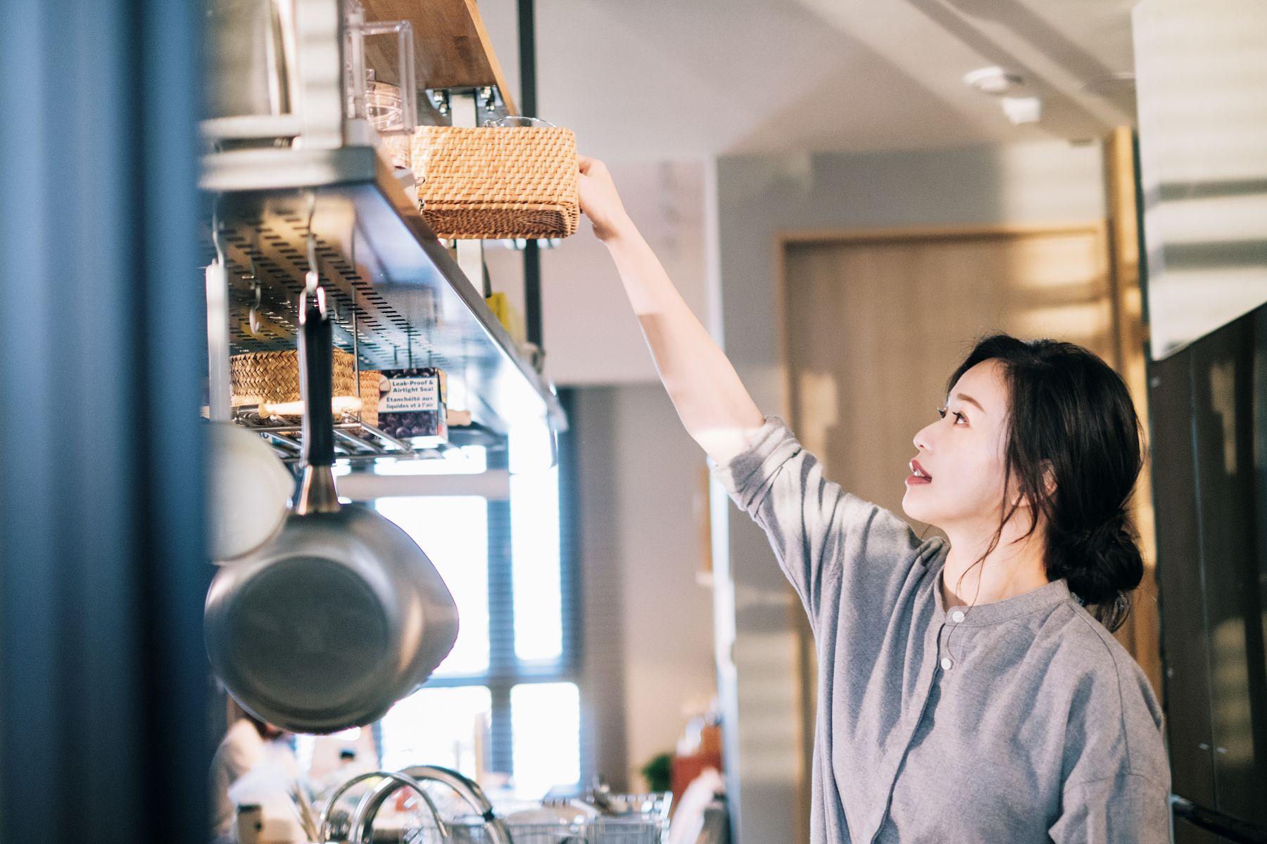 廚房收納妙招:2步驟讓廚房空間有如坪數大升級