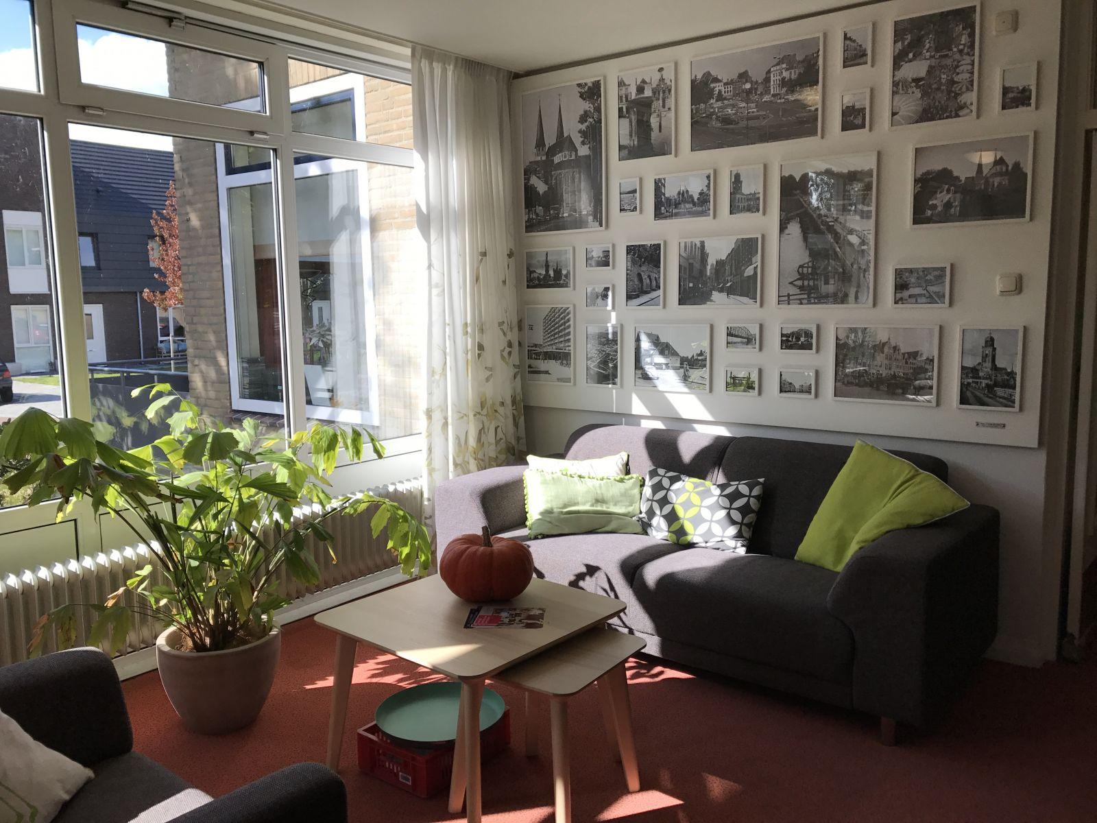 在老人公寓中,有不同世代的人相伴,老人多了幸福與歡笑,那是通往幸福的捷徑。