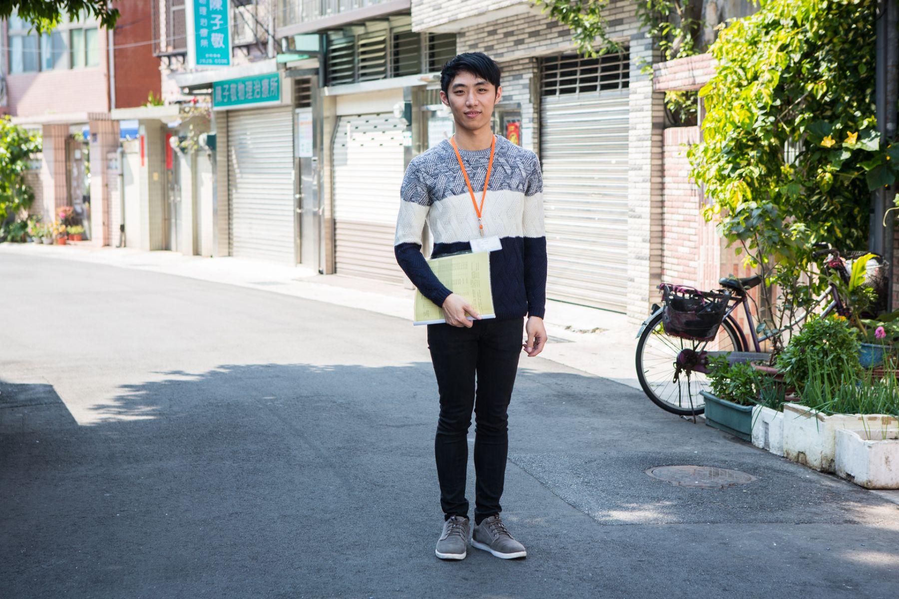 22歲年輕人穿梭巷弄照顧長輩!他因這件事,讓遺憾轉成服務動力