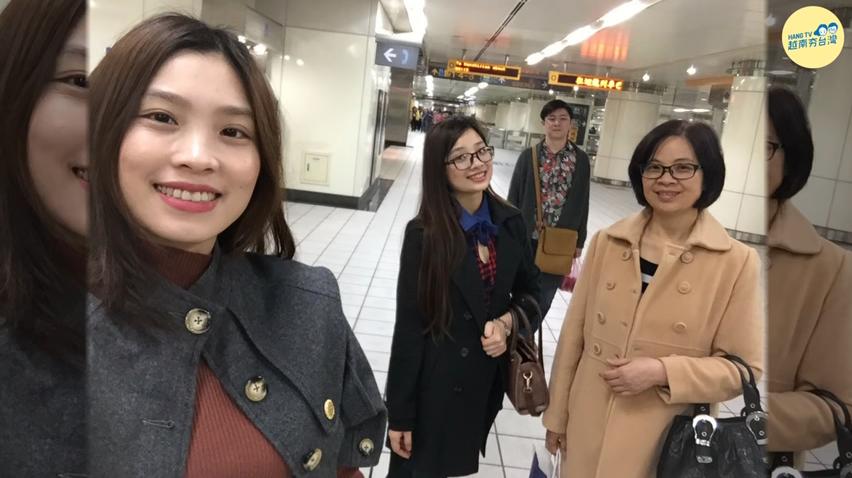 越南母在台幫傭14年 換得女兒成家念碩士