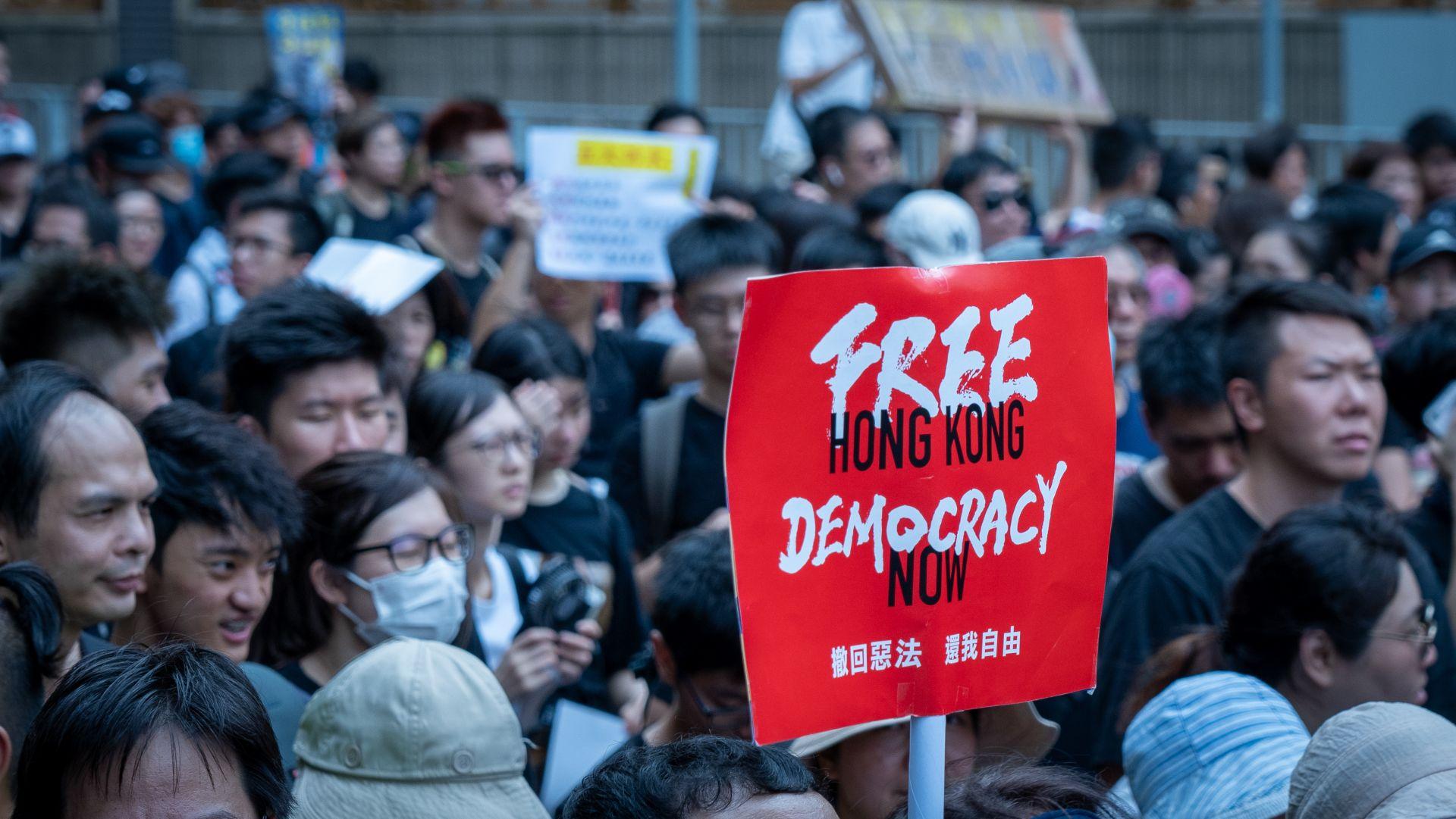 臺灣集遊法也禁蒙面? 律師:臺灣遊行沒被限制過,但香港已侵害人權