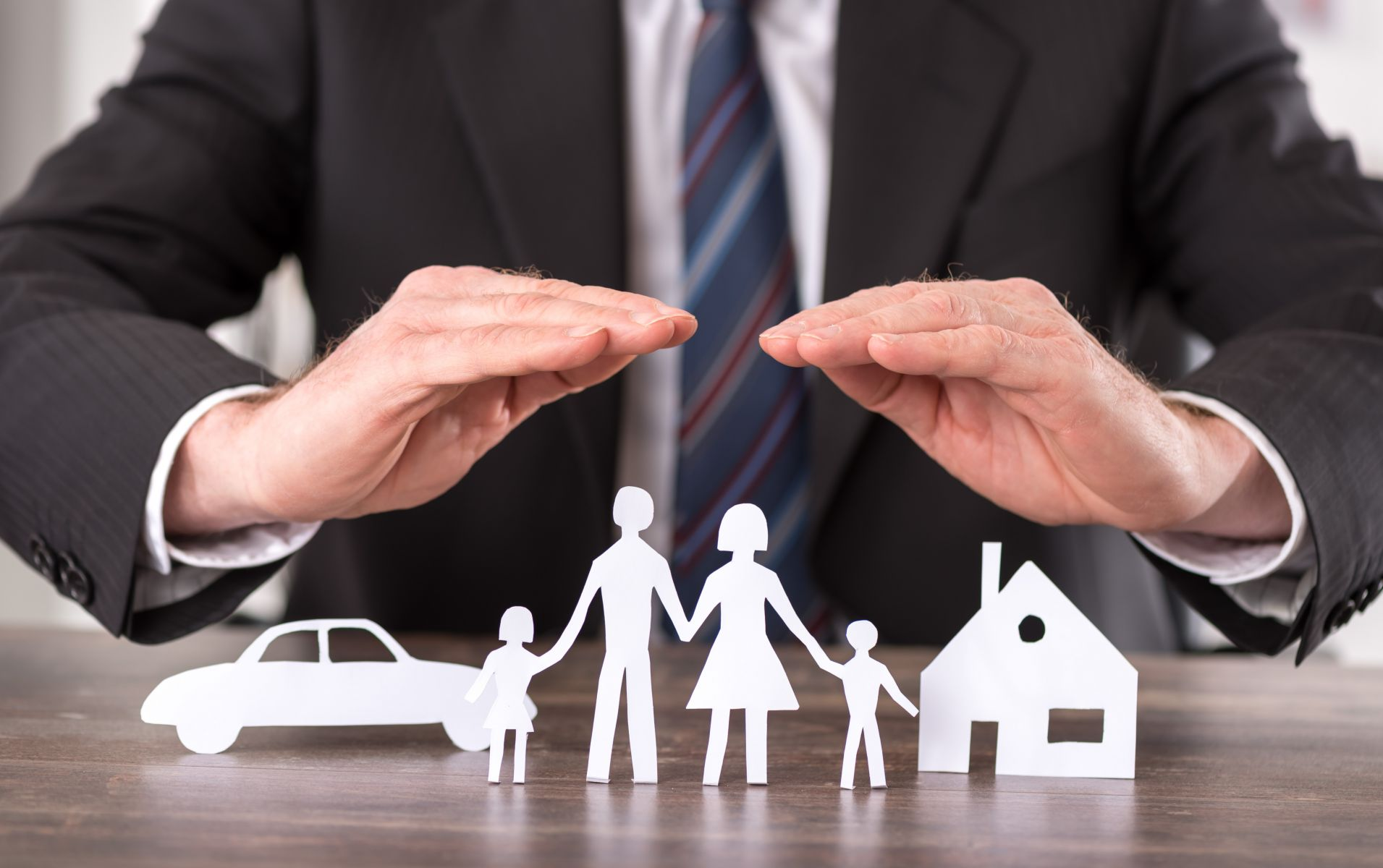 職場新鮮人怎麼買保險?這套「四三二一鐵律」讓你秒懂自身需求、做好規劃
