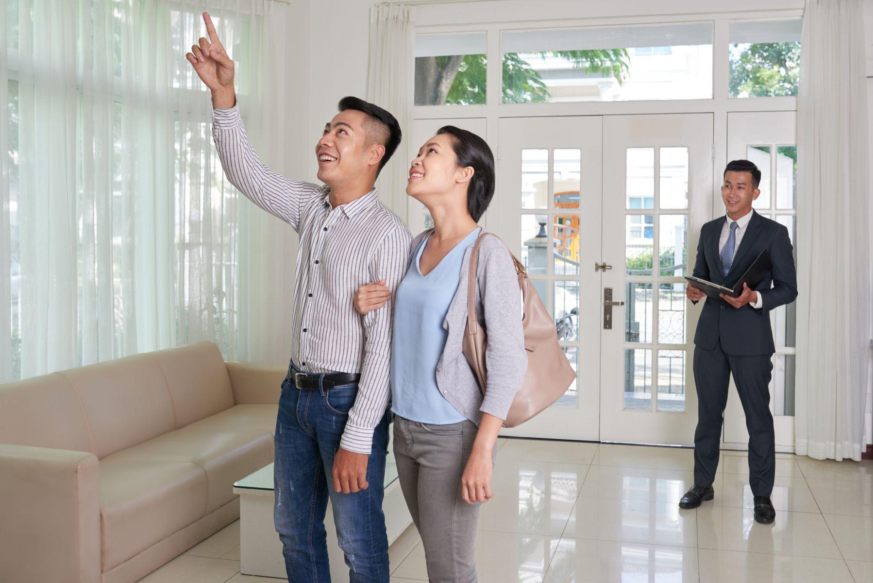 「有買家出價斡旋,看你要不要加價」…看房怕被房仲騙?專家破解房仲4大話術「不買最大」