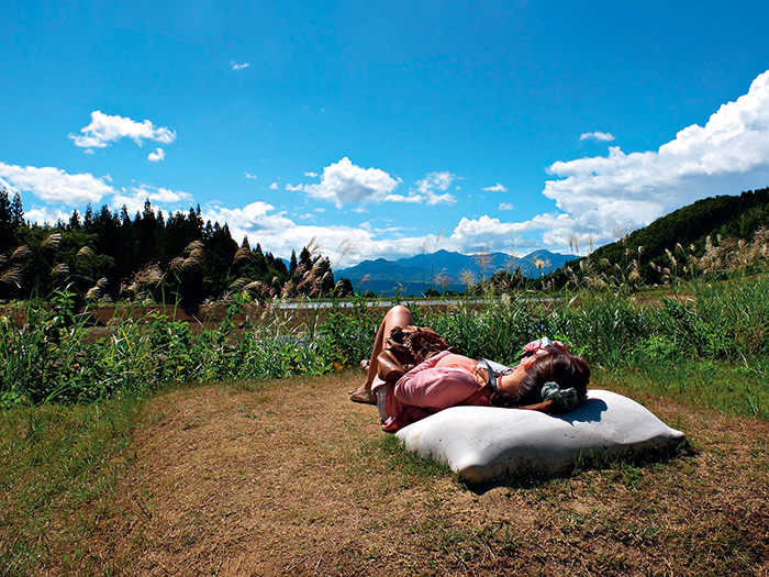 躺在大地之母的懷抱裡,感受陽光溫暖 的覆蓋,是人生一大享受