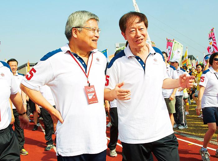 劉德音(左)與魏哲家(右)將有10年時間,為台積電建立更完整的交棒制度。