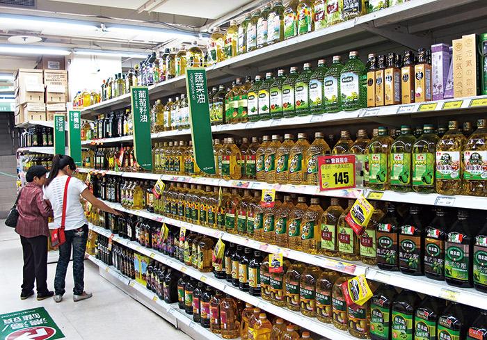 油品事件爆發後,衛福部將推食品強制登錄管理,確保食安。