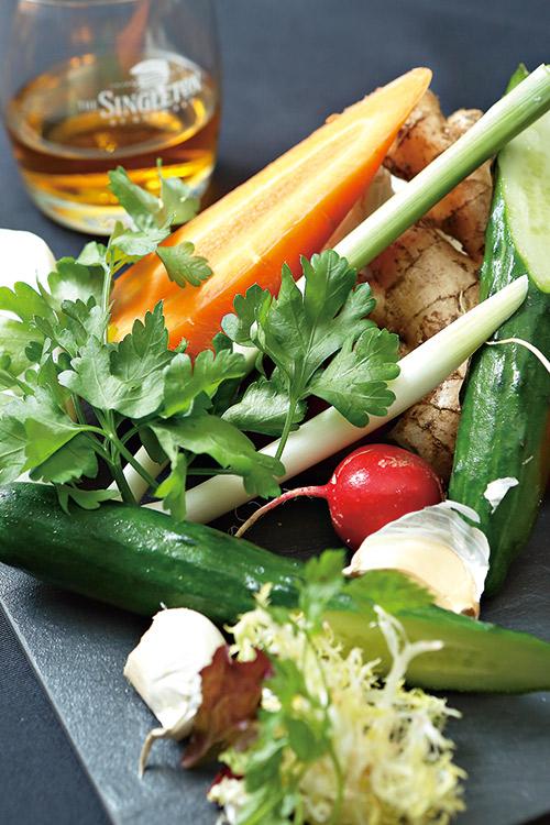 Justin喜歡用各色蔬菜,為美味 妝點繽紛色彩。