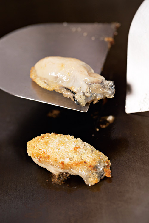 「日本鮮蚵」顆粒碩大, 入口爽脆。