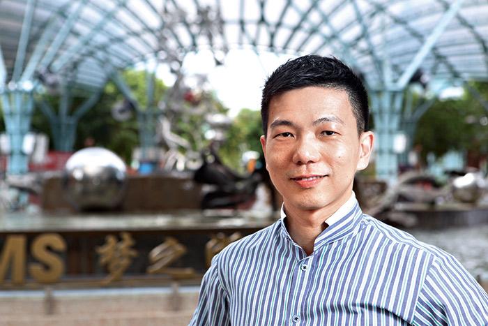 名勝世界副總裁林順華表示:「星國花了不少心 思,做到全面防堵賭害。」
