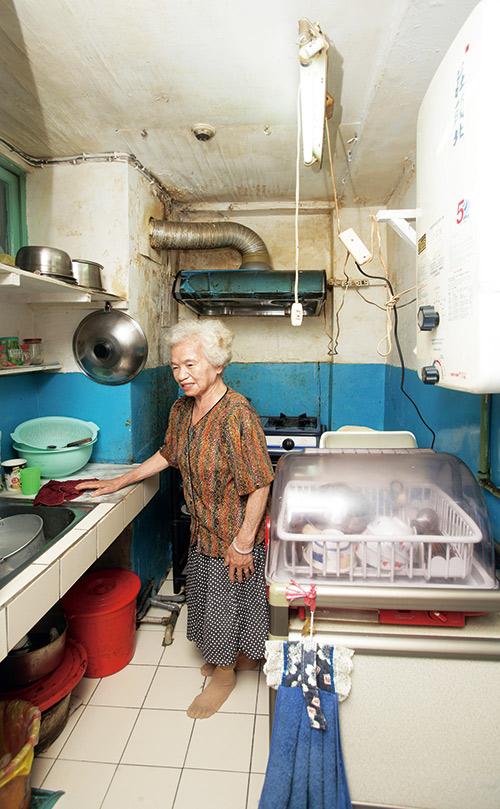 台灣大多數老年人希望在家接受居家照護,但我們的長照防護網卻無法妥善照料。