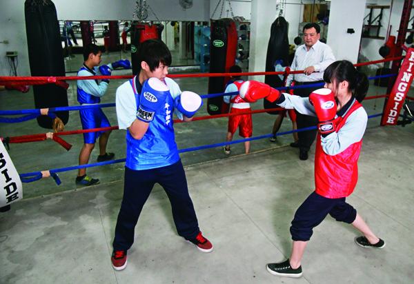 比賽得獎加分占比高,家長紛紛送小孩去補習體育。