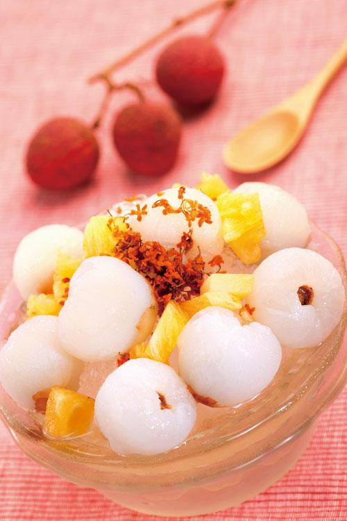 賣了20年的荔枝桂花冰,採用香甜的黑葉 荔枝,是周董愛吃的冰品之一。