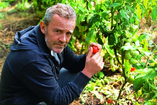 Alain Passard是全球唯一完全使用自耕有機蔬果的三 星主廚。