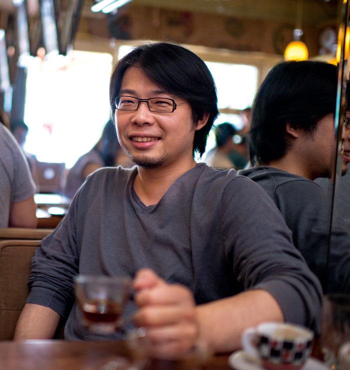 嚴㢗誥既是整形醫生,更是咖啡店老闆,對於 飲咖啡有其獨到見解。