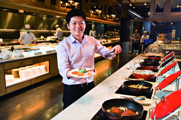 饗賓餐旅事業(饗食天堂總公司)總經理陳毅航,最重視職場成長力。