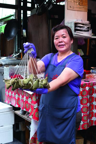 大碗也老闆娘粘素真做工用足,黏住了客人的心。
