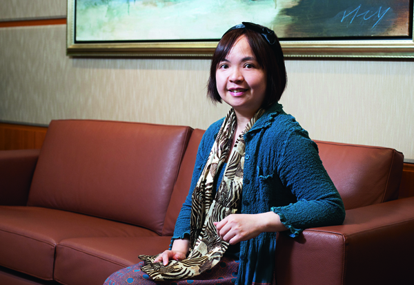 雖身為投資經理人,林如惠並不刻意教導金融知識,而是趁著看電視或睡前的時間,與孩 子閒聊分享。