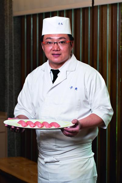 許靖德師傅對生魚片食材的了解及手 藝,深受饕客肯定。