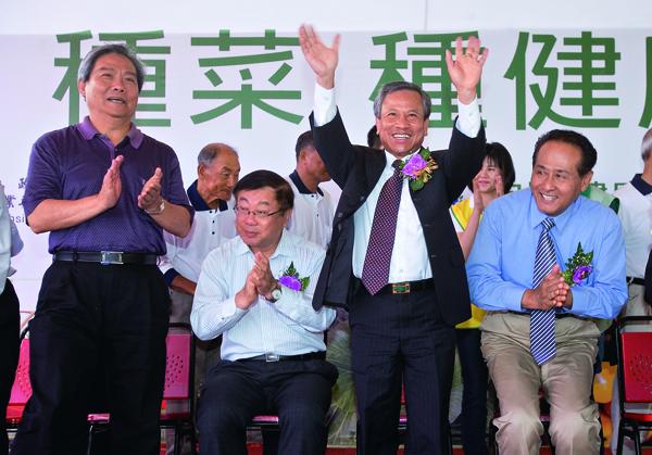 近兩年陳貴光全心投入綠色 新農業,當成此生志業。