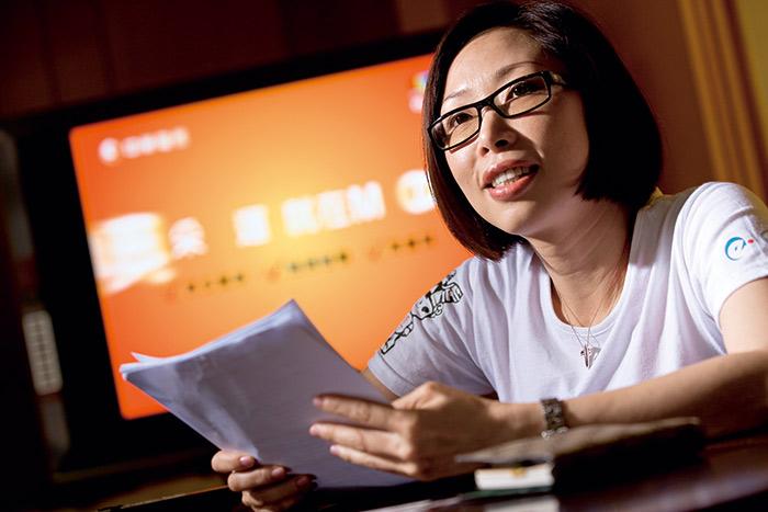 陳怡君提出的LINE對話紀錄,成為台北地院撤回年代假處分聲 請的關鍵證據。