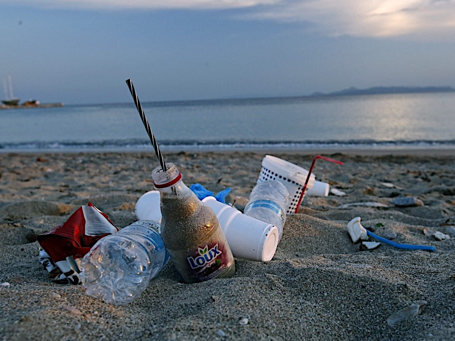 Taiwan NGOs urge government action on trash-filled beaches